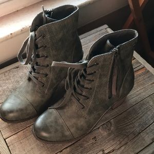 Roxy Rustic Ankle Boots